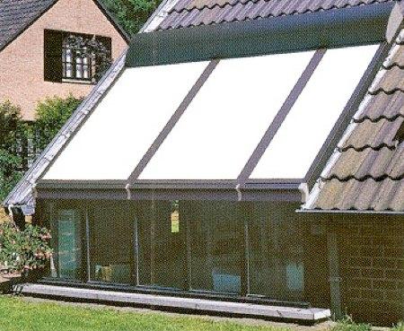 volet de toit fabulous rolax le volet roulant pour toiture de vranda with volet de toit. Black Bedroom Furniture Sets. Home Design Ideas